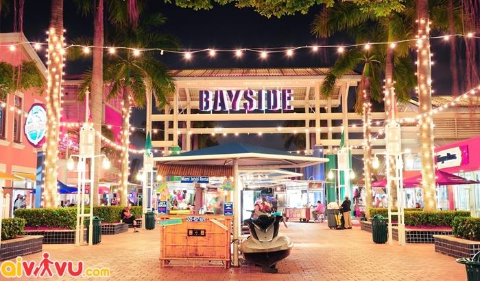 Trung tâm mua sắm Bayside Marketplace