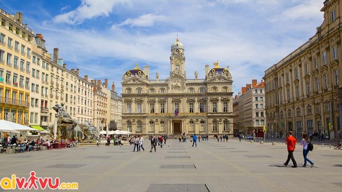 Quảng trường Place des Terreaux