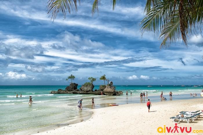 White Beach - bãi biển du lịch chính của Boracay