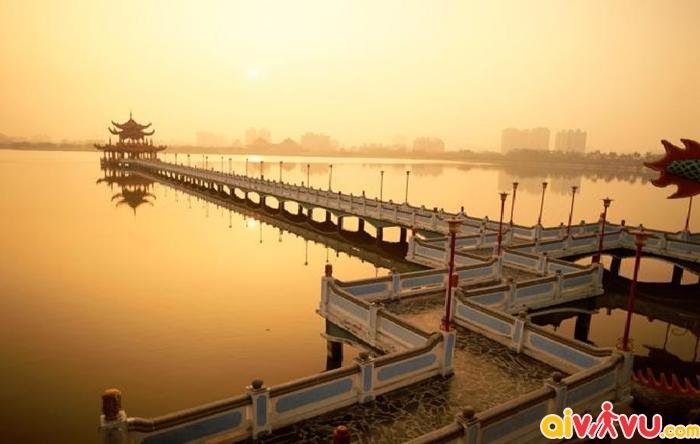 Vẻ đẹp thơ mộng của hồ Cheng Ching