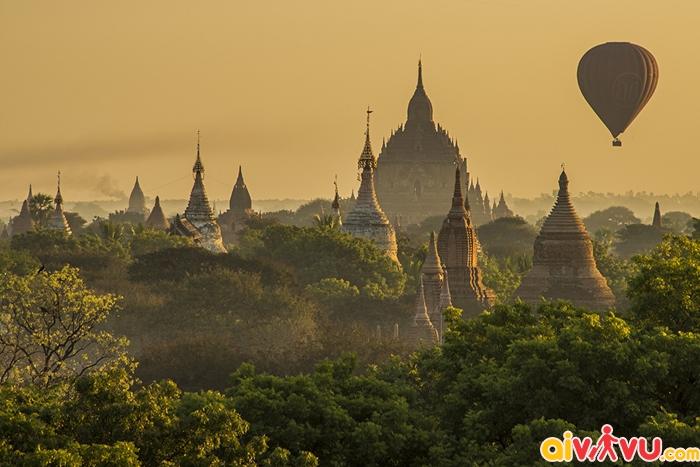 Bagan nổi tiếng với số lượng đền chùa nhiều vô kể