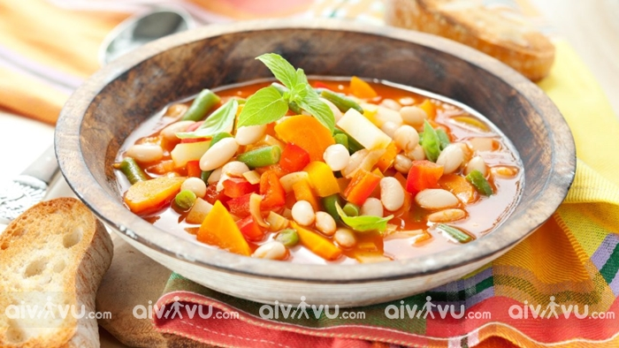 Súp đậu trắng Fasolatha Món ăn được yêu thích tại Hy Lạp