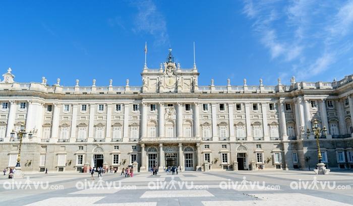 Cung điện Hoàng gia Palacio Real - Madrid
