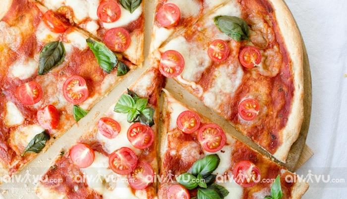 Bánh Pizza món ăn nổi tiếng trên thế giới của Italia