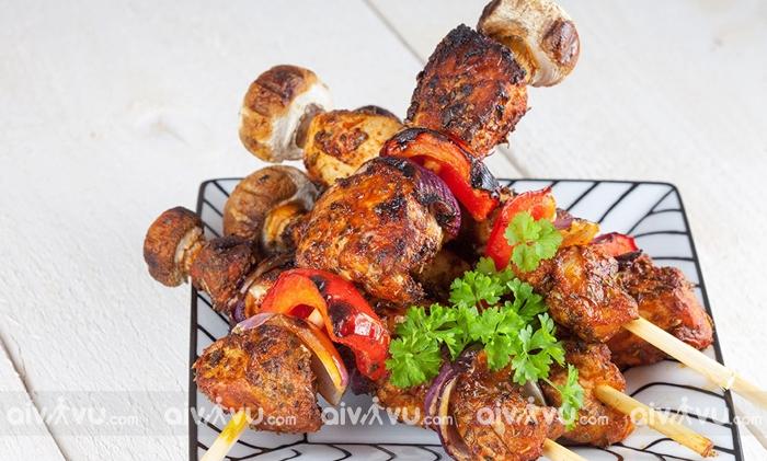 Thịt nướng Shashilik món ăn có truyền thống lâu đời nhất ở Nga