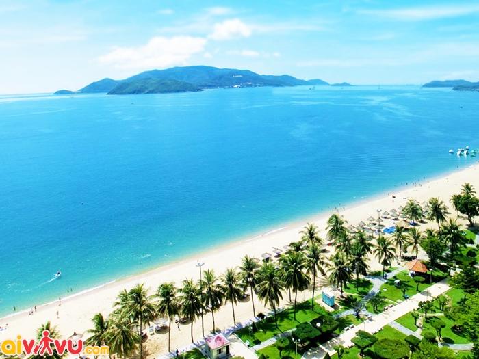 Bãi biển thơ mộng ở Nha Trang