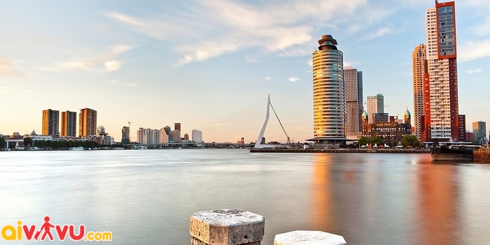 ve may bay di rotterdam gia re