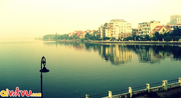 Ngắm Hồ Tây thơ mộng tại Hà Nội