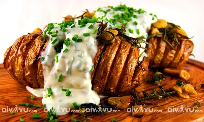 Khoai tây nướng kiểu Hasselback nổi tiếng tại Stockholm