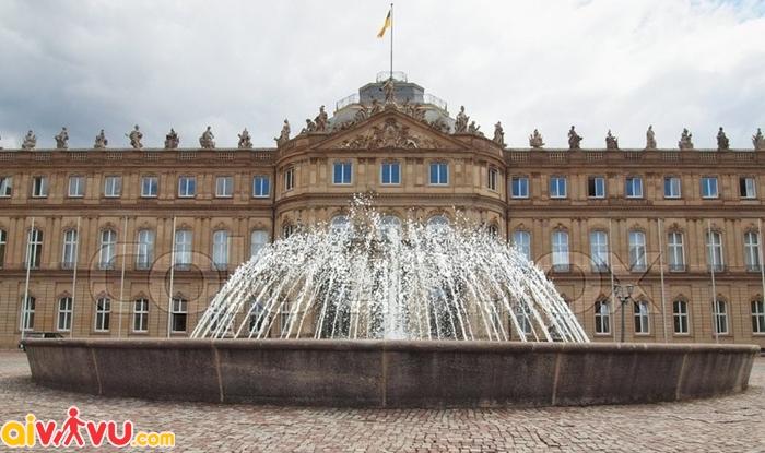 Lâu đài Neues Schloss