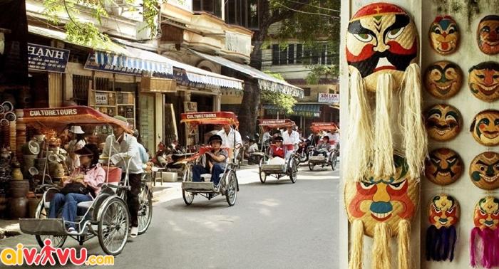 Đặt vé đi Hà Nội để đi dạo Phố cổ bằng xích lô