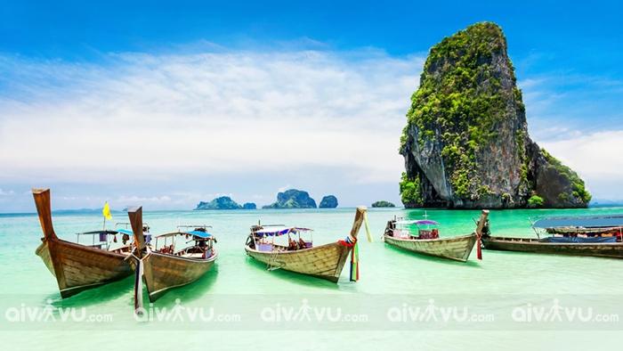 Bãi biển Patong nổi tiếng với bãi tắm đẹp
