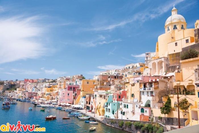 Procida – ấn tượng với những ngôi nhà màu sắc