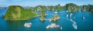 Vịnh Hạ Long là địa điểm du lịch nổi tiếng khắp Đông Nam Á