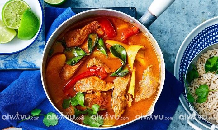 Cà ri Khmer đỏ là món ăn nổi tiếng tại Campuchia