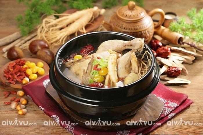 Samgyetang món gà hầm sâm bổ dưỡng của Hàn