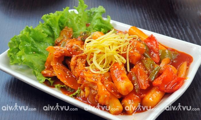 Tteokbokki món ăn phổ biến tại Hàn Quốc