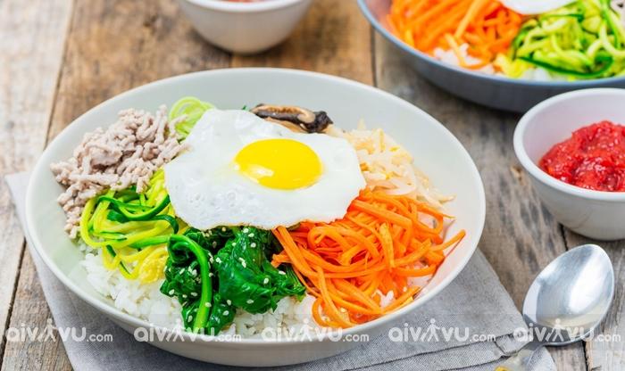 Bibimbap là cơm trộn được yêu thích của Hàn Quốc