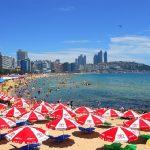 Bãi biển Haeundae là điểm đến hút khách nhất Busan mỗi dịp hè về