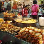 Chợ đêm Shilin luôn tấp nập người qua lại