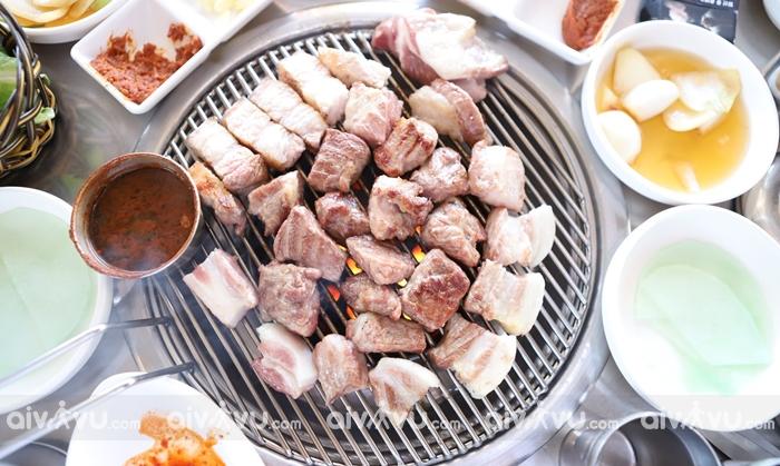 Thịt lợn đen món ăn nổi tiếng nhất trong nền ẩm thực của Jeju