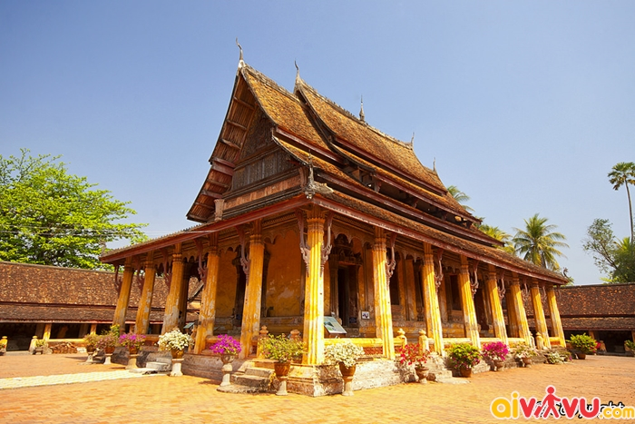 Bên ngoài Chùa Wat Si Saket