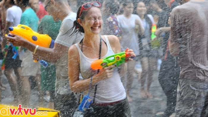 Nghi thức tắm Phật trong Lễ hội Songkran