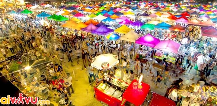 Khu Sukhumvit thiên đường mua sắm giá rẻ ở Bangkok