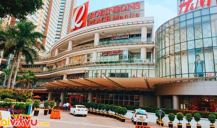 Robinson Place Mall là trung tâm mua sắm lâu đời nhất nhì Manila