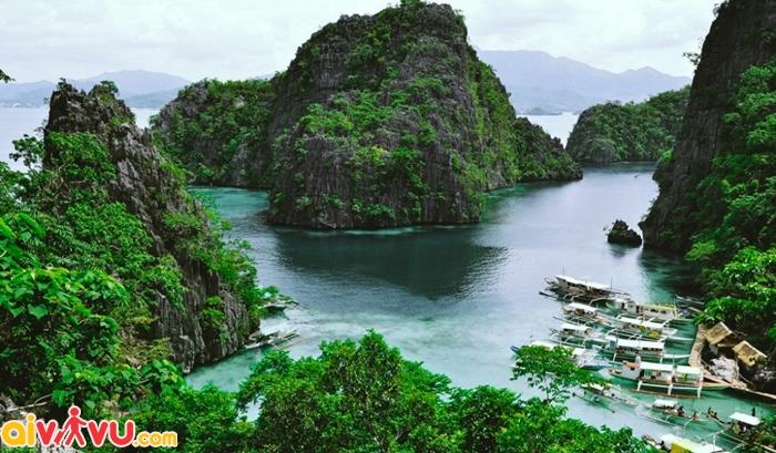 Toàn cảnh đảo Coron nhìn từ đỉnh Tapyas - Philippines