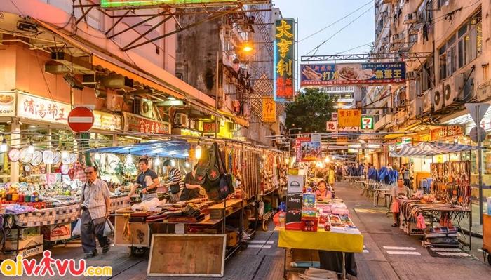 Chợ đêm ở phố Temple street - điểm vui chơi miễn phí ở Hongkong
