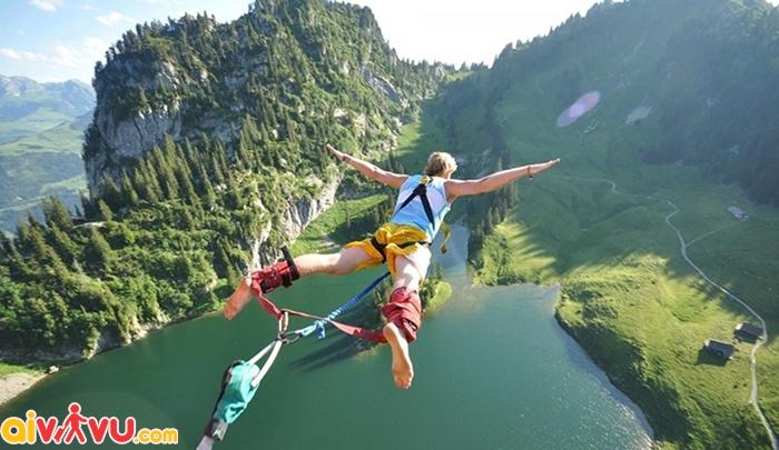 Thử thách sự can đảm với trò nhảy bungee jump