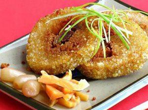 Bánh chưng rán là món ăn vặt ở Hà Nội