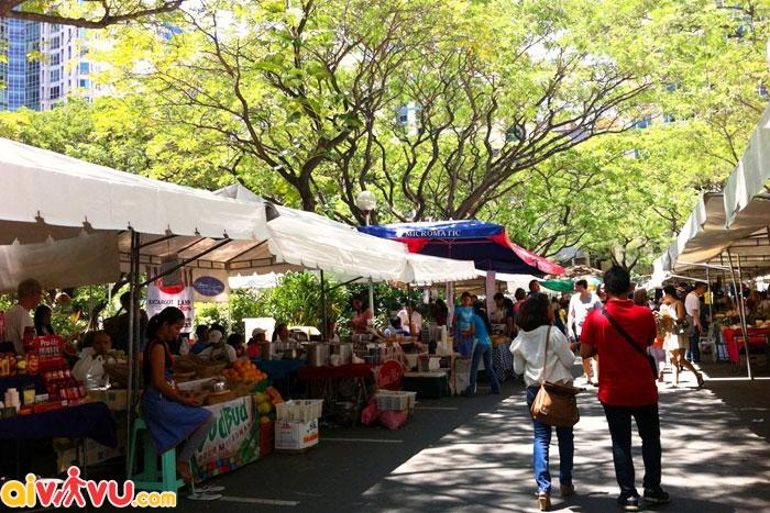 Chợ cuối tuần Salcedo náo nhiệt