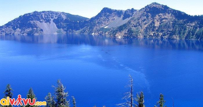 Hồ Baikal là hồ nước ngọt rộng và sâu nhất thế giới