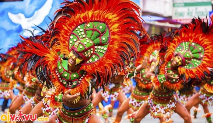 Lễ hội hóa trang sôi động ở Philippines