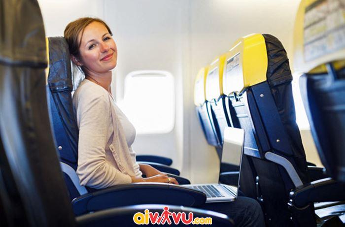 Không nên mua vé máy bay tại nơi không uy tín