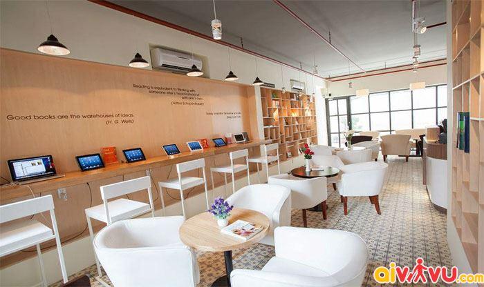 FYI Book Cafe hiện đại