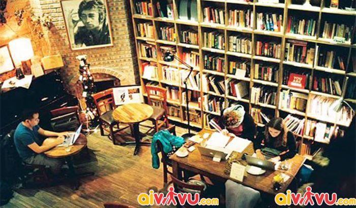 Tranquil Book & Coffee yên tĩnh