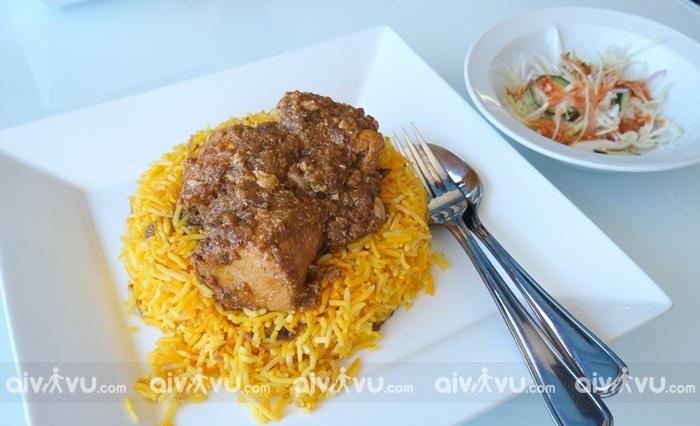 Nga htamin món ăn hấp dẫn tại Yangon