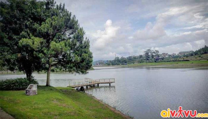 Hồ Xuân Hương về buổi chiều trở nên thật tĩnh lặng và lãng mạn