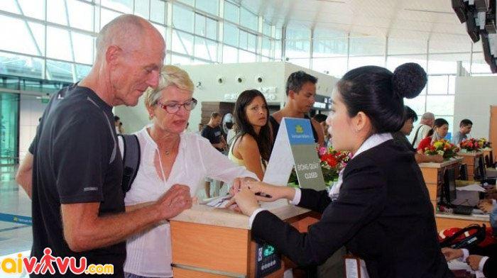 Hành khách nước ngoài lưu ý làm thục check - in theo quy định mới