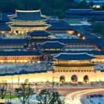 Cung điện Gyeongbokgung về đêm