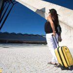 Không nên mang hành lý cồng kềnh khi bay