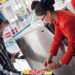 Hành lý xách tay vượt quá quy định sẽ bị tính phí khi làm thủ tục tại sân bay