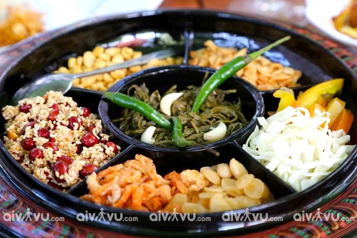 Salad lá trà món ăn đặc biệt của người Myanmar