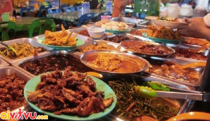 Khu chợ ẩm thực ở Kota Kinabalu