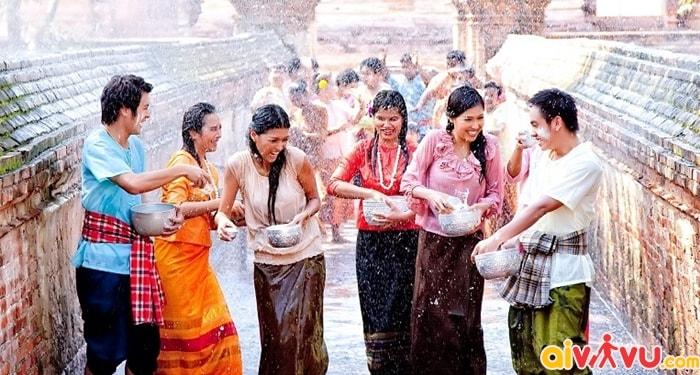 Lễ hội té nước truyền thống Thái Lan