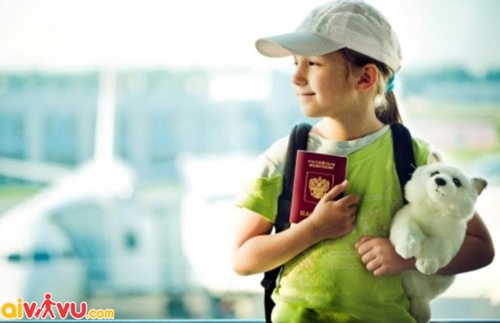 Yêu cầu giấy tờ tùy thân của trẻ khi đi máy bay
