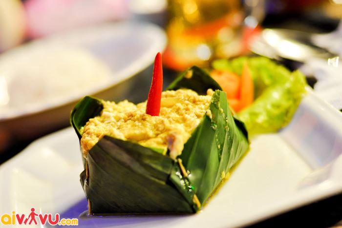 Cá amok món mang đầy đủ những hương vị riêng của Campuchia